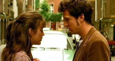 T'es cap toi de faire pleurer une fille le jour de son mariage, Hein ? T'es cap de rire quand t'es malheureux ? De te taire pendant dix ans ? Dis moi, t'es cap ,?