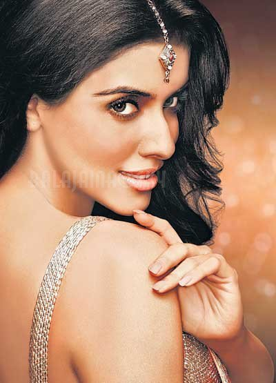 ASIN'S NEW LUX PICS AND VIDEOS