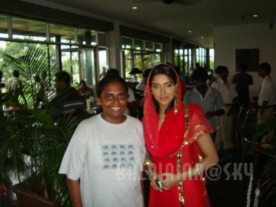 Asin's Ready on location Pics