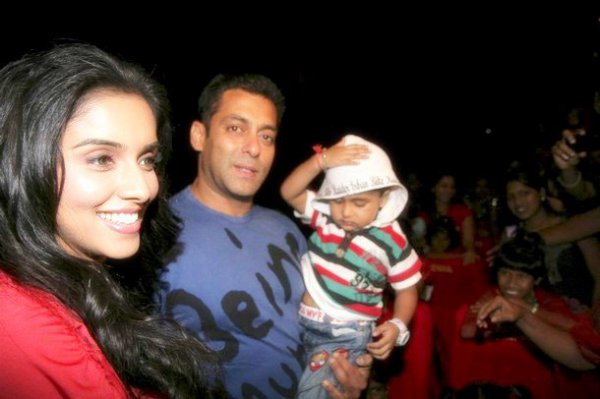 Asin At being human live mad event