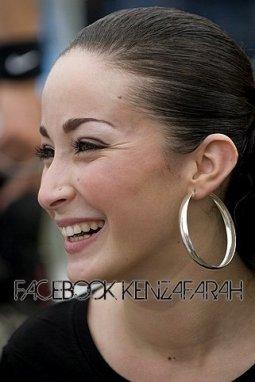 PHOTOS DE KENZA FARAH...