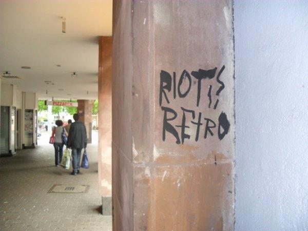 RIOT RETRO