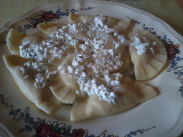 Ravioles jambon mozza sauce ricotta basilic