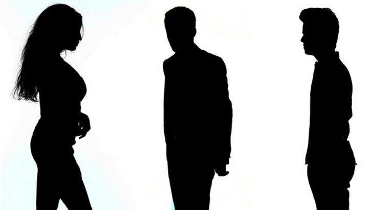 Les images en ombres chinoises des trois premiers candidats