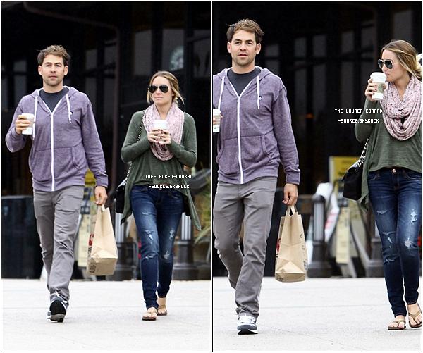 . 24/10/10 Lauren et son boyfriends Kyle étaient à Malibu sortant d'un restaurant rapide .   .