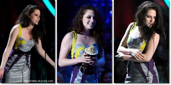 APPARITON : 03.06.12 : Kris, était présente au MTV Movie Awards.