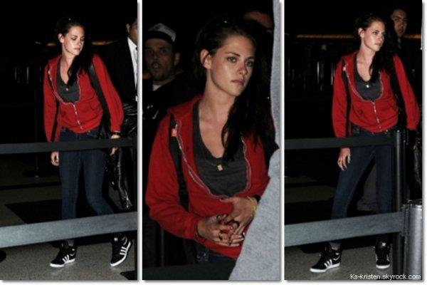 CANDID :16.06.12 : Kris, arrivant à l'aéroport de LAX.