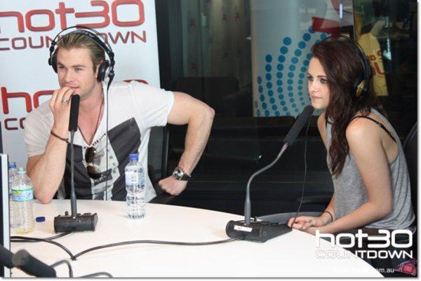 APPARITON :20.06.12 : Kris, était dans une radio Australienne.