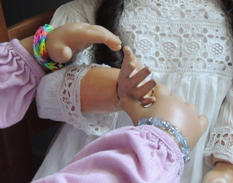 kan les petites mains se touchent