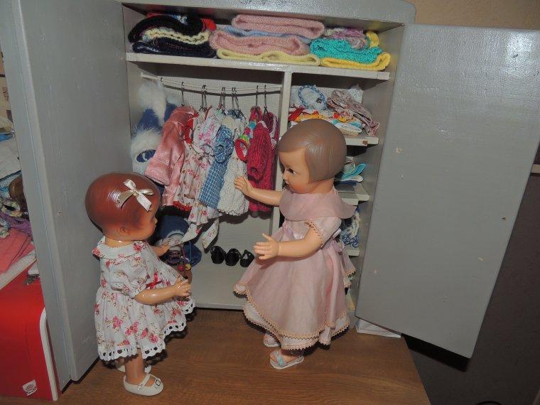 l armoire est bien rangée