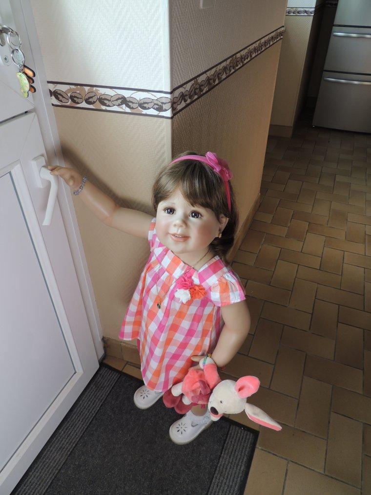 Prune veut aller dehors là mais i ly a le tonnerre qui gronde ma fille....mais zai meme po peur mouha