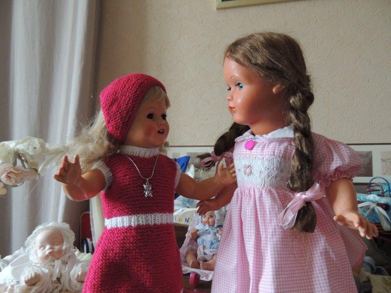 les deux soeurs papottent