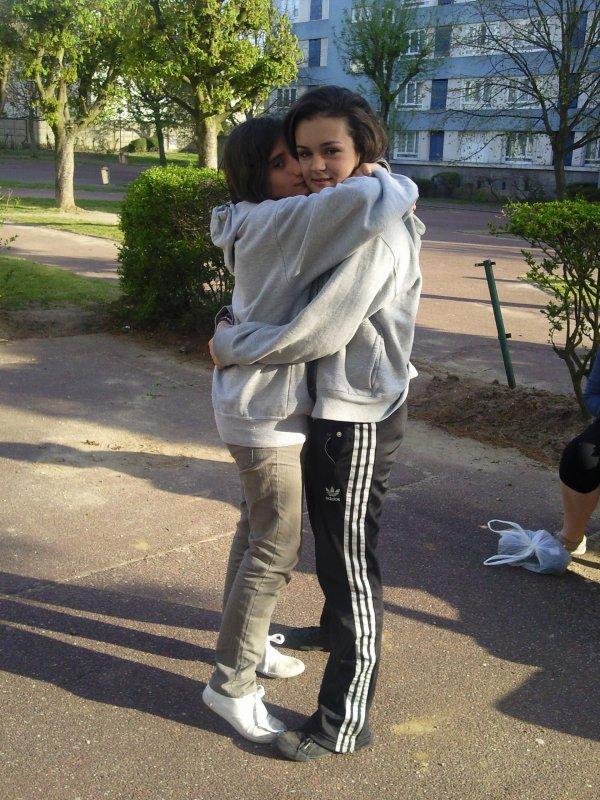 -♥Cynthia&Maëva, Une grande amitié. Qui dure depuis maintenent 1 An &' 10 Moiis...! ♥-