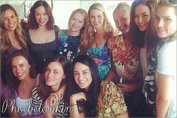 ------ 16/12/2013- Phoebe et Claire Holt était présentent pour une fête organisé par une amie en commun