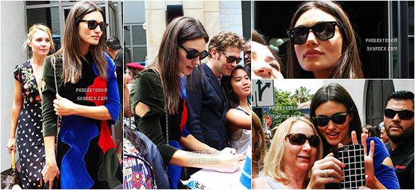 • CANDIDS - Le 10/07/15, Phoebe et le cast quittant le Comic Con