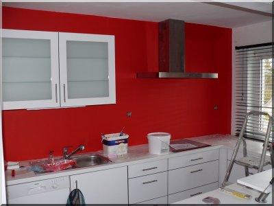 Peindre une cuisine peindre le mur de la for Peindre une cuisine en 2 couleurs