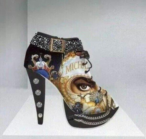 Ou trouver ces talons Michael Jackson??? Je les Veux 💟💟