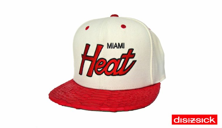 Casquette Snapback Mitchell & Ness Customisee en Reelle Peau de Serpent - Casquette MIAMI HEAT Officielle NBA - EDITION LIMITEE