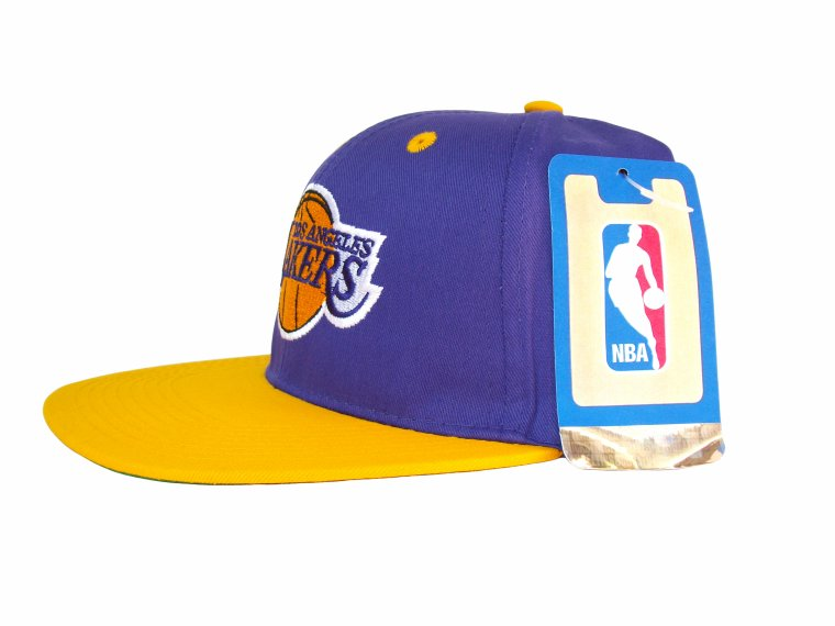 Casquette LOS ANGELES LAKERS Snapback - Officielle NBA - Tissu Fin Immitation Vintage - Violette/Or - Portee par Chris Brown: Amazon.fr: Bienvenue