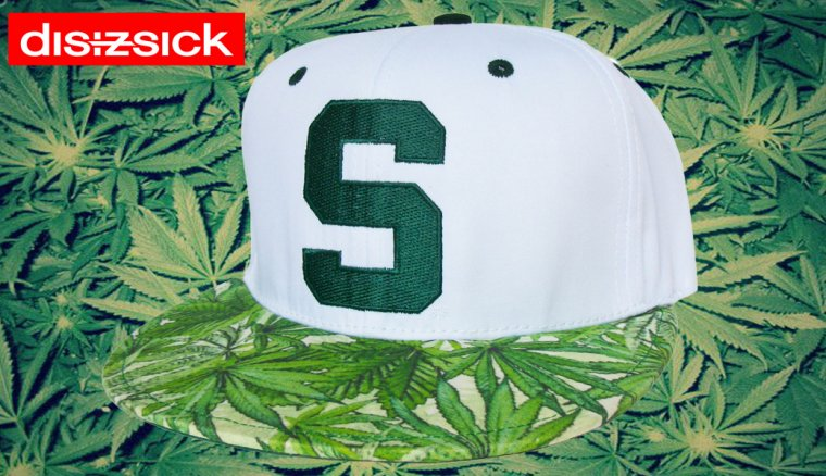 Casquette Customisee  Michigan State Spartans  avec un Tissu Imprime en Feuilles de Cannabis - Snapback - EDITION LIMITEE  Disizsick