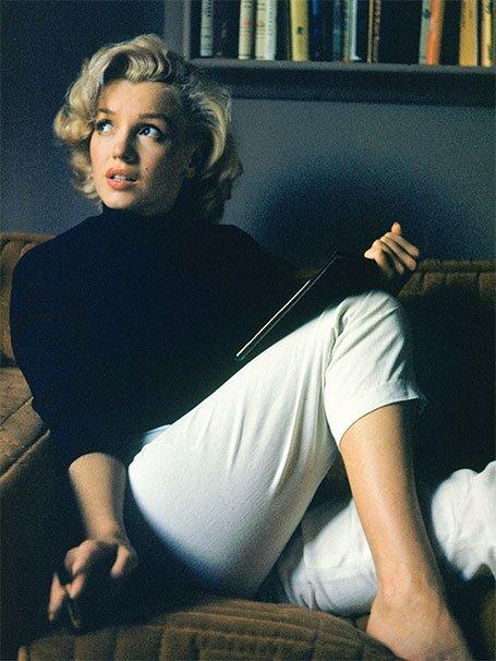 Univers sexy, pulpeux, et envoutant de La Pin Up. J'ai nommé Marylin Monroe. Plus qu'ne femme un paradoxe. Tant tôt vulnérable, tôt femme de pouvoir. Marylin s'est le mythe de la self made woman.