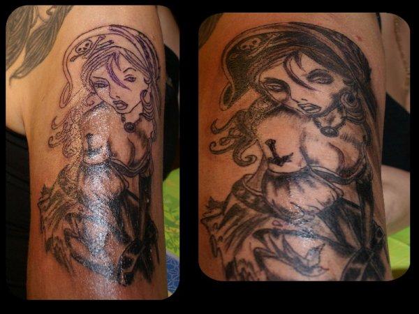 voila mon nouveau tatoo fait par mon pro à moi!!!