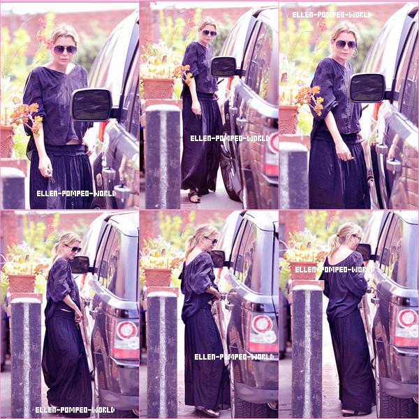 13.07- Ellen sortant d'un salon , d'esthétique .
