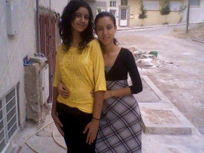 moi and hanan 3ziza 3liya bzaf