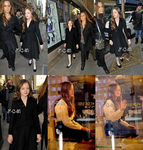 14/11/12 : Mackenzie Christine Foy arrivant à « The Today Show » à New York.