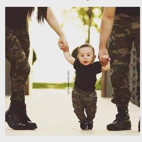 Familly Army so cute