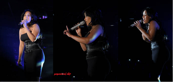 AMEL AU  FESTIVAL NRJ MUSIC AWARDS 2011  (l)