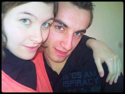 « ..Depuis 38 mois, chaque matin je me lève pour toi et chaque soir je m'endors pour toi. Je remercie le destin de nous avoir mis sur le même chemin, à présent c'est main dans la main que nous avançons et ça jusqu'à la fin ‹3 Je vis un vrai conte de fée à tes côtés depuis plus de 38 mois mon bebey et plus j'avance à tes côtés, plus je réalise qu'avant de te rencontré, je n'avais jamais vraiment aimé ... »