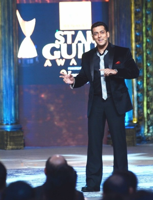 Salman Khan to Host 8th Renault Star Guild Awards 2013
