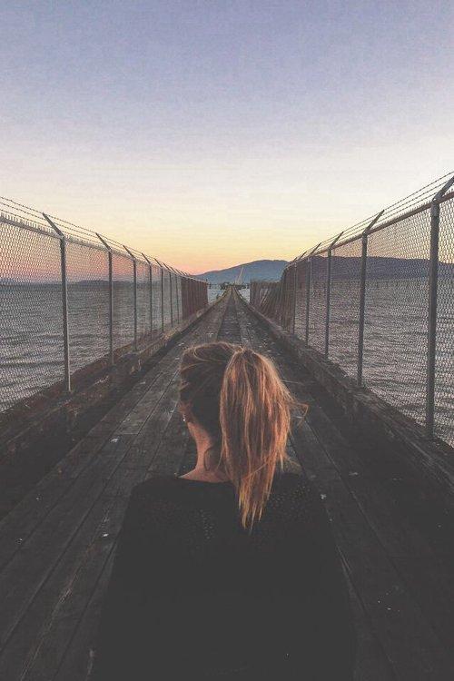 On passe sa vie à dire adieu à ceux qui partent , jusqu'au jour où on dit adieu à ceux qui restent ...