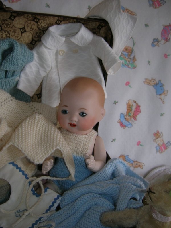 bambino et son petit trousseau...