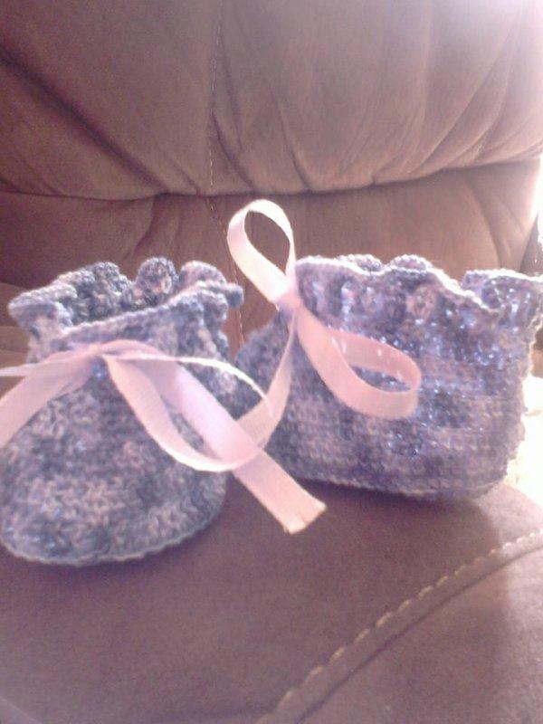chaussons bébé bleu a turban bleu ciel