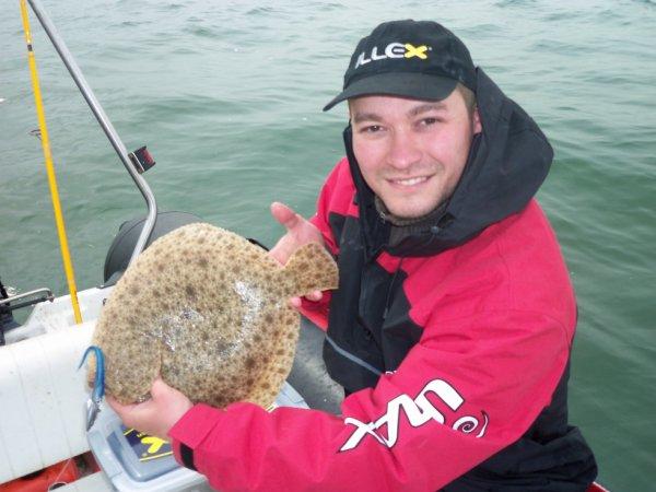 Pêche du 16/05/13 - Pêche d'un Turbot de 1.5kg avec un Lancon ZX bleu de chez Delalande - Une Très Bonne Surprise!!!!