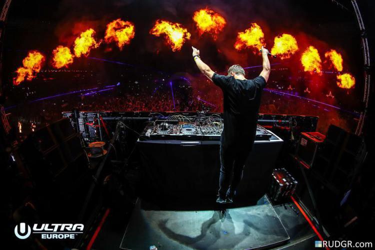 Martin Garrix sort son nouveau single à Ultra en Europe avec Bebe Rexha : In The Name Of Love