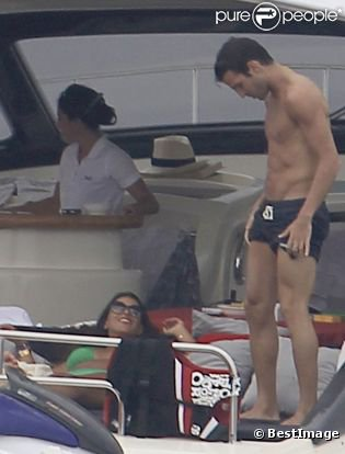 Aurait-il un problème avec son maillot de bain?