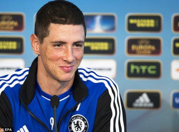 Torres: Je vais rester à Chelsea et me battrai pour ma place avec Falcao, en dépit de l'intérêt de la Fiorentina