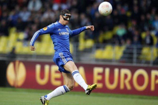 Give Peace a Chance: Fernando Torres a empêché la «guerre» éclate après Luis Suarez morsure sur Branislav Ivanovic  Check