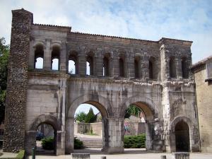 la porte Saint-André - AUTUN