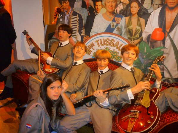 SUITE DU MUSEE TUSSAUD  A LONDRES