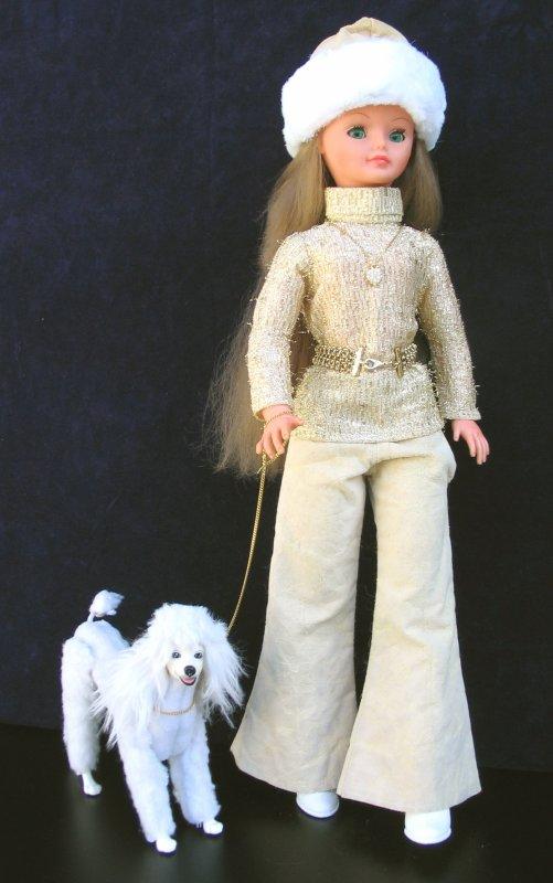 CATHIE EN TENUE  JONQUILLE 1973