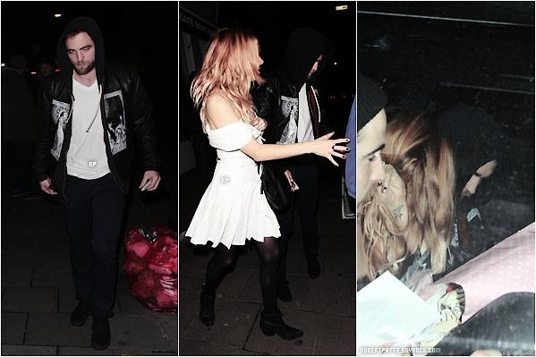 05 décembre 2013 : Notre talentueux Robert était à Londres avec Tom Sturridge et Sienna Miller - .