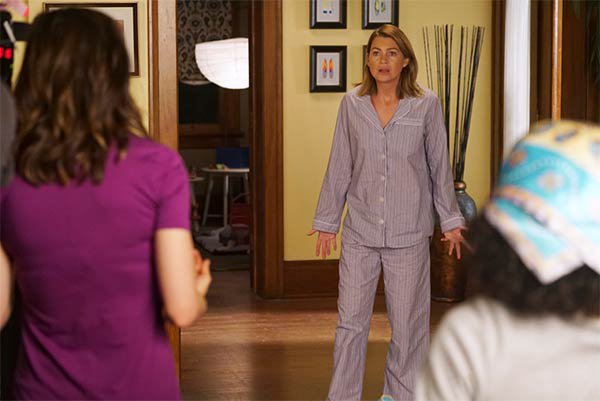 "Grey's Anatomy - 12x01 - ""Everything's Changed"" "" NEW SEASON !"