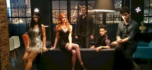 "ShadowHunters - 1x01 - ""The Mortal Cup"""