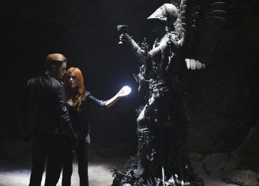 "ShadowHunters - 1x02 - ""The Descent Into Hell Is Easy"""