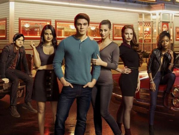 "Riverdale - 2x04 - ""The Town That Dreaded Sundown"""