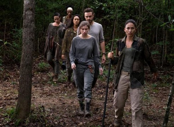 "The Walking Dead - 8x10 - ""The Lost And The Plunderers"""